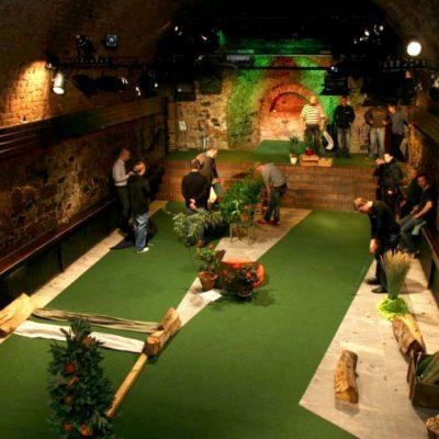 indoor golf moritzbastei